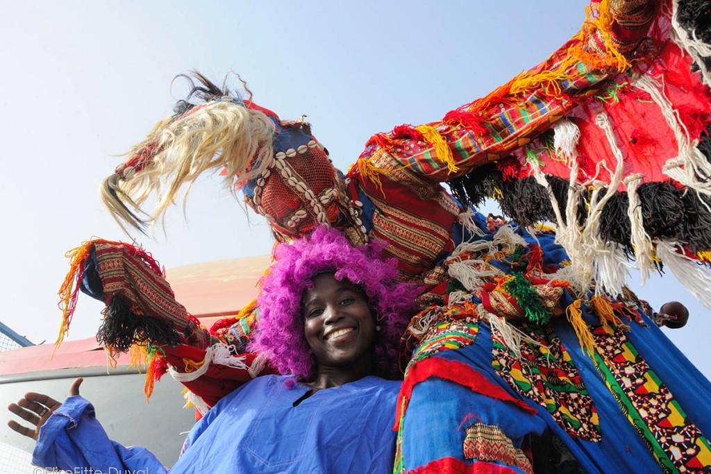 3e festival de Rue organise par la Compagnie Djarama, devant le trampoline situe sur la Corniche. Dakar, Senegal, 4 avril 2015